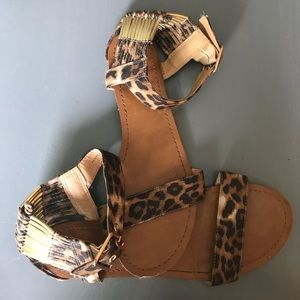Mossimo Leopard print sandals size 7
